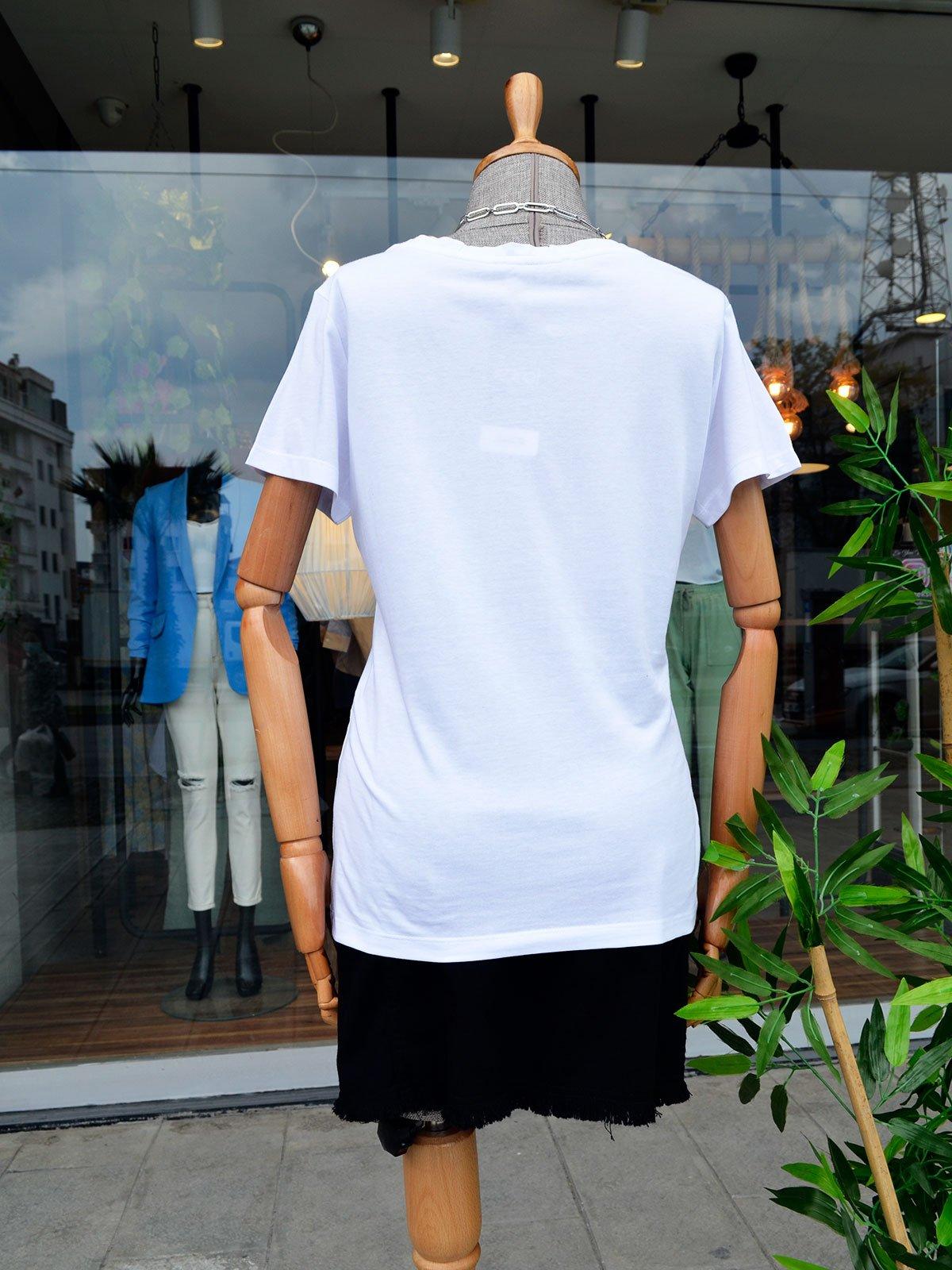Yakası Varak Baskılı Tshirt